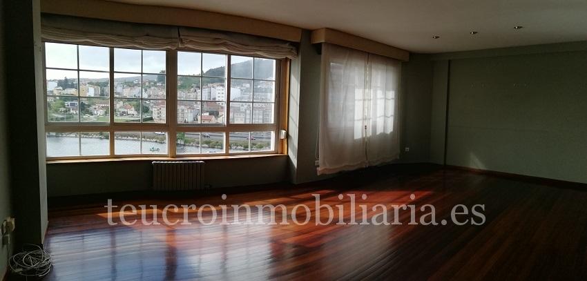 Excelente piso totalmente en Avda de Corbaceiras en Pontevedra