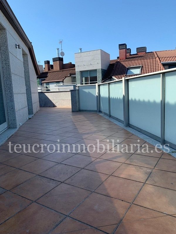 Ático de lujo de 4 dormitorios con terraza