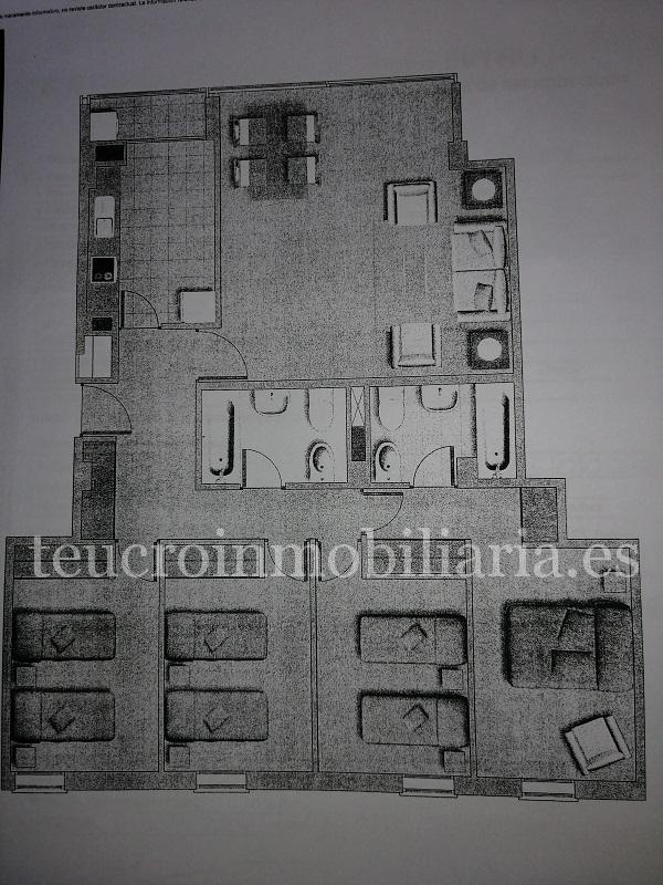 Pisazo en Eduardo Pondal en Pontevedra. Piso de reciente construcción de 4 dormitorios amplio